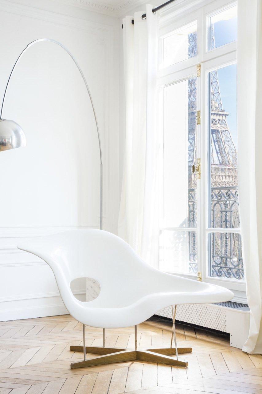 Appartement avec la chaise Charles Eames par l'Agence Intérieurs, Architecte d'intérieur UFDI à Paris 75 et Ile-de-france.