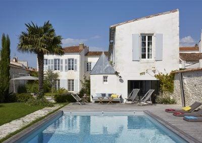 Un propriété avec piscine sur l'île de Ré, par Fabienne Boé de Pirey, Architecte d'intérieur UFDI à Paris 75