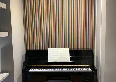 Un écrin pour piano aux cordes de couleurs par Fabienne Boé de Pirey, Architecte d'intérieur UFDI à Paris 75