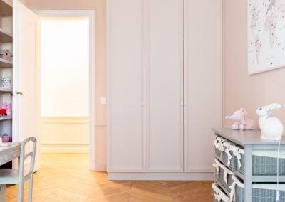 Une chambre rose poudré aux petits oiseaux par Fabienne Boé de Pirey, Architecte d'intérieur UFDI à Paris 75-003-2